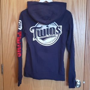 VS Minnesota Twins sweatshirt
